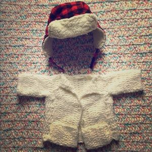 Baby winter hat and white cardigan set unisex